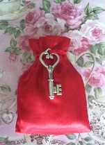Magical Blessings Spell Bag - Key To Her Heart