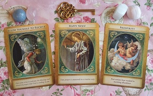 Archangel Gabriel Oracle Card Reading