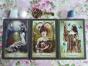 Vintage Wisdom Oracle Card Reading